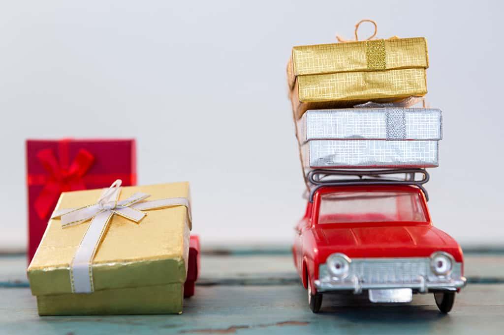 penize-v-krabicce-svatebni-dar