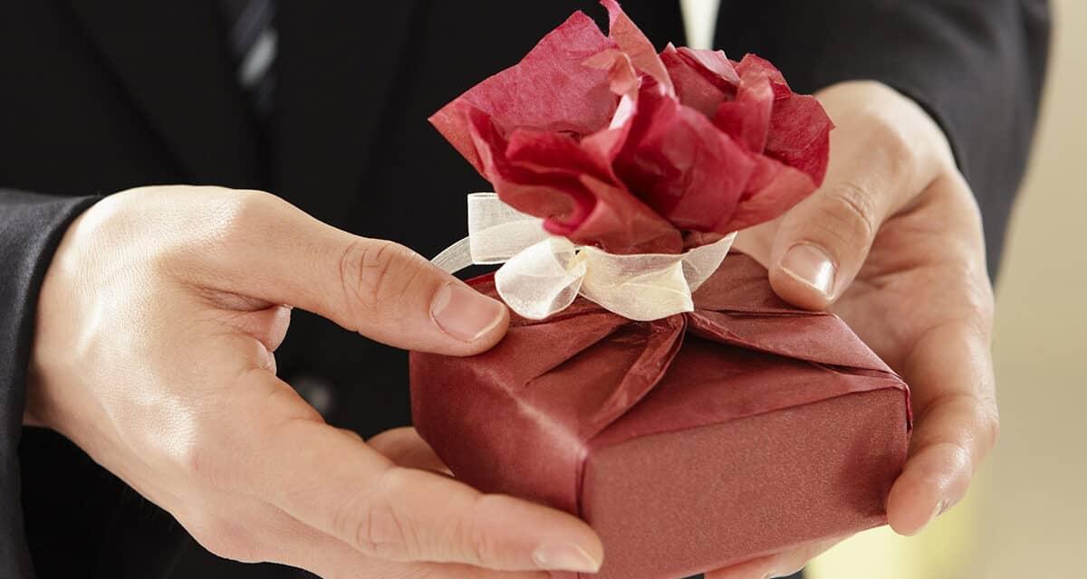 Svatební dar od svědka: Pár nápadů nikdy neuškodí