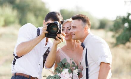 Jak vybrat svatebního fotografa: Kompletní návod