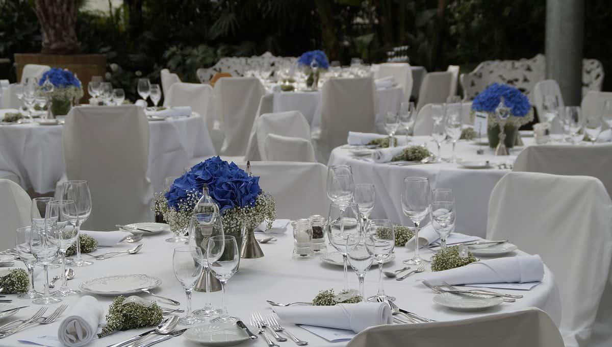 kulate-stoly-na-svatbe